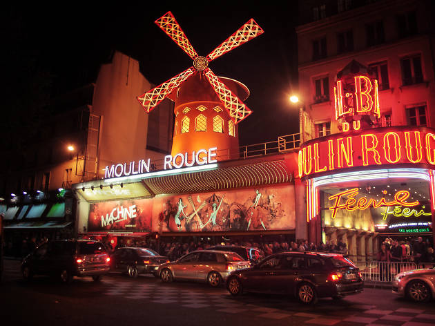 Exciting Night Life in Paris